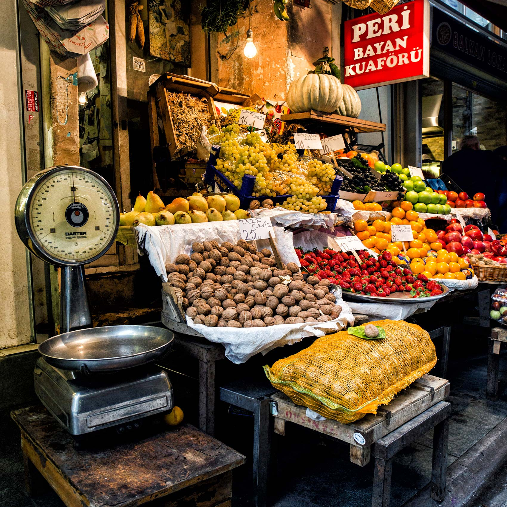 a-pretty-fruit-stall-with-an-old-weighing-scale-outside-in-istanbul-turkey