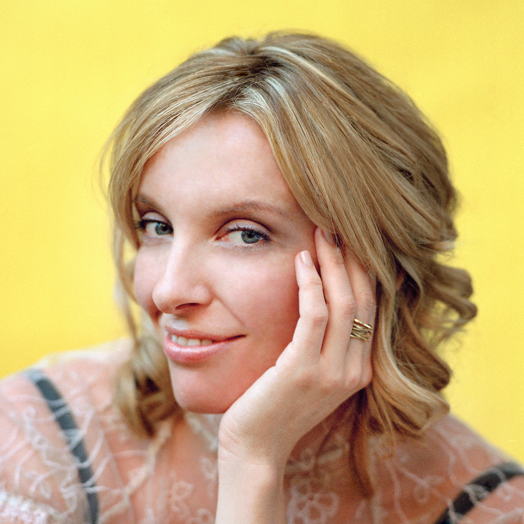 actress-toni-collette-by-toronto-photographer-john-hryniuk