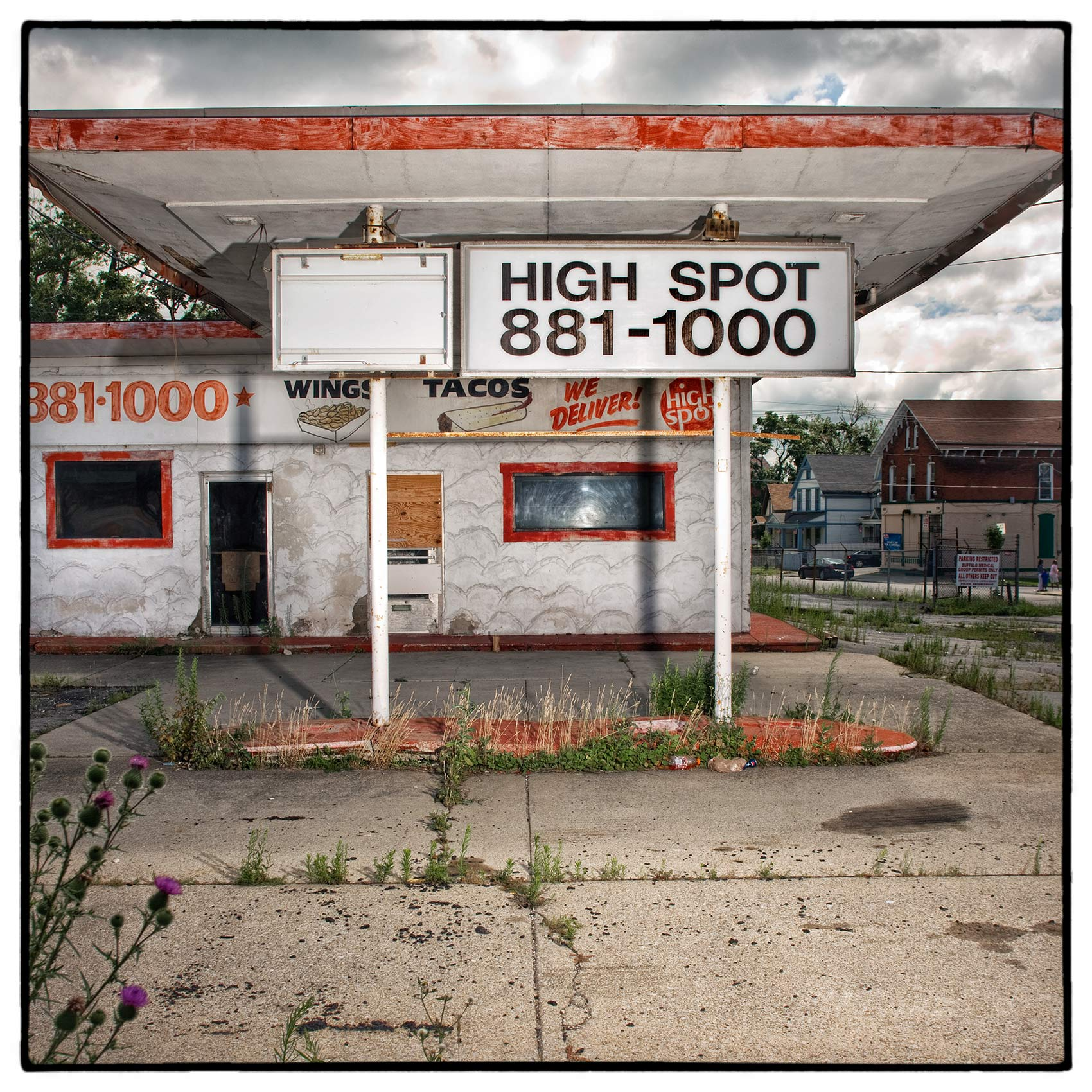 an-abandoned-gas-station-in-buffalo-new-york