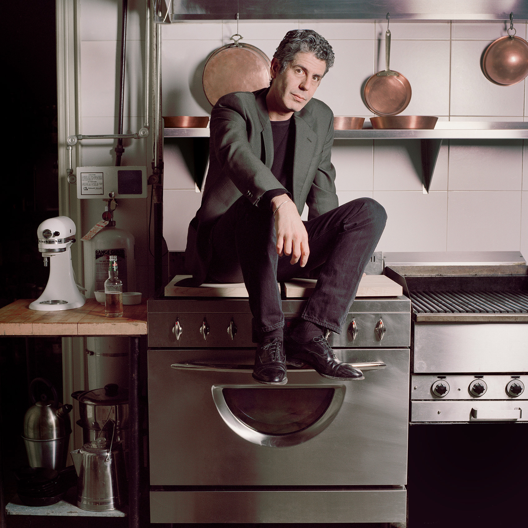 anthony_bourdain_by_toronto_celebrity_photographer_john_hryniuk