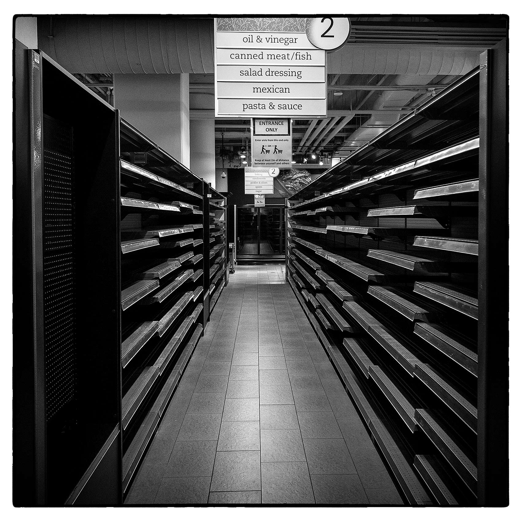 empty-grocery-store-shelves-during-the-pandemic