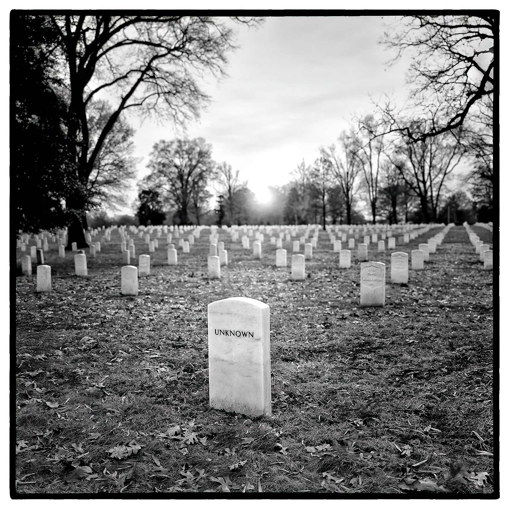 grave-of-unknown-soldier-at-arlington-national-cemetery-near-washington-dc