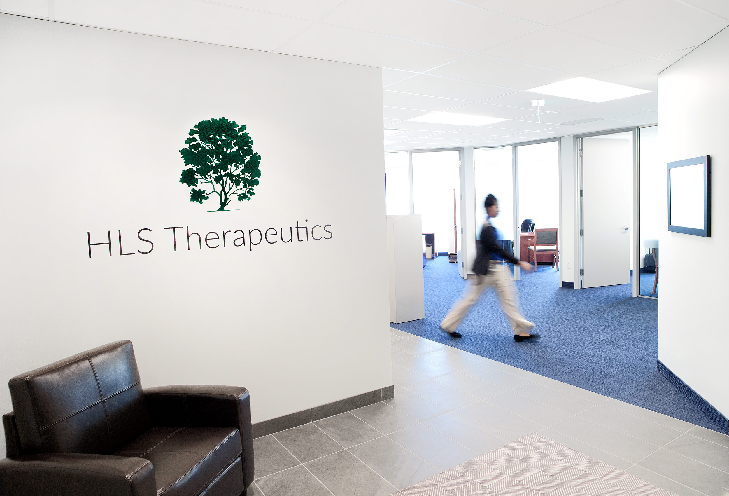hls_therapeutics_office_by_industrial_photographer_john_hryniuk