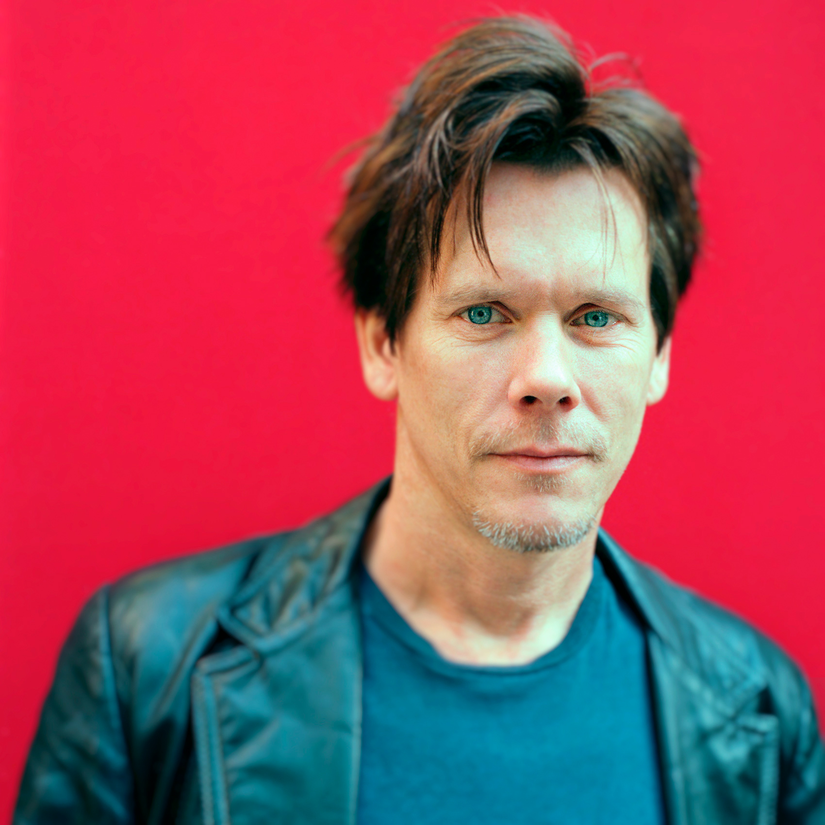 kevin-bacon-poses-for-toronto-celebrity-photographer-john-hryniuk-at-tiff