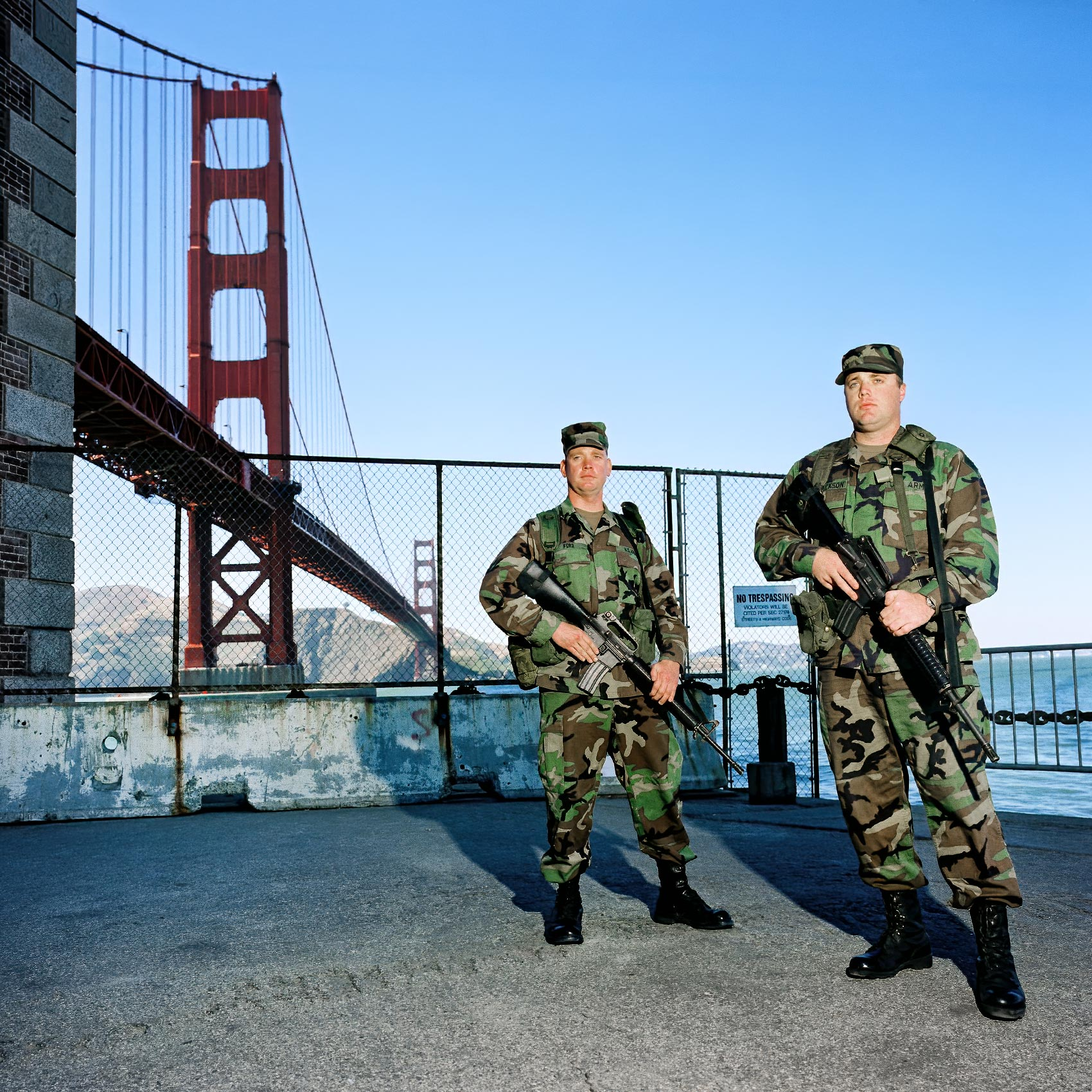 two-US-soldiers-guard-the-golden-gate-bridge-in-sanfrancisco-california