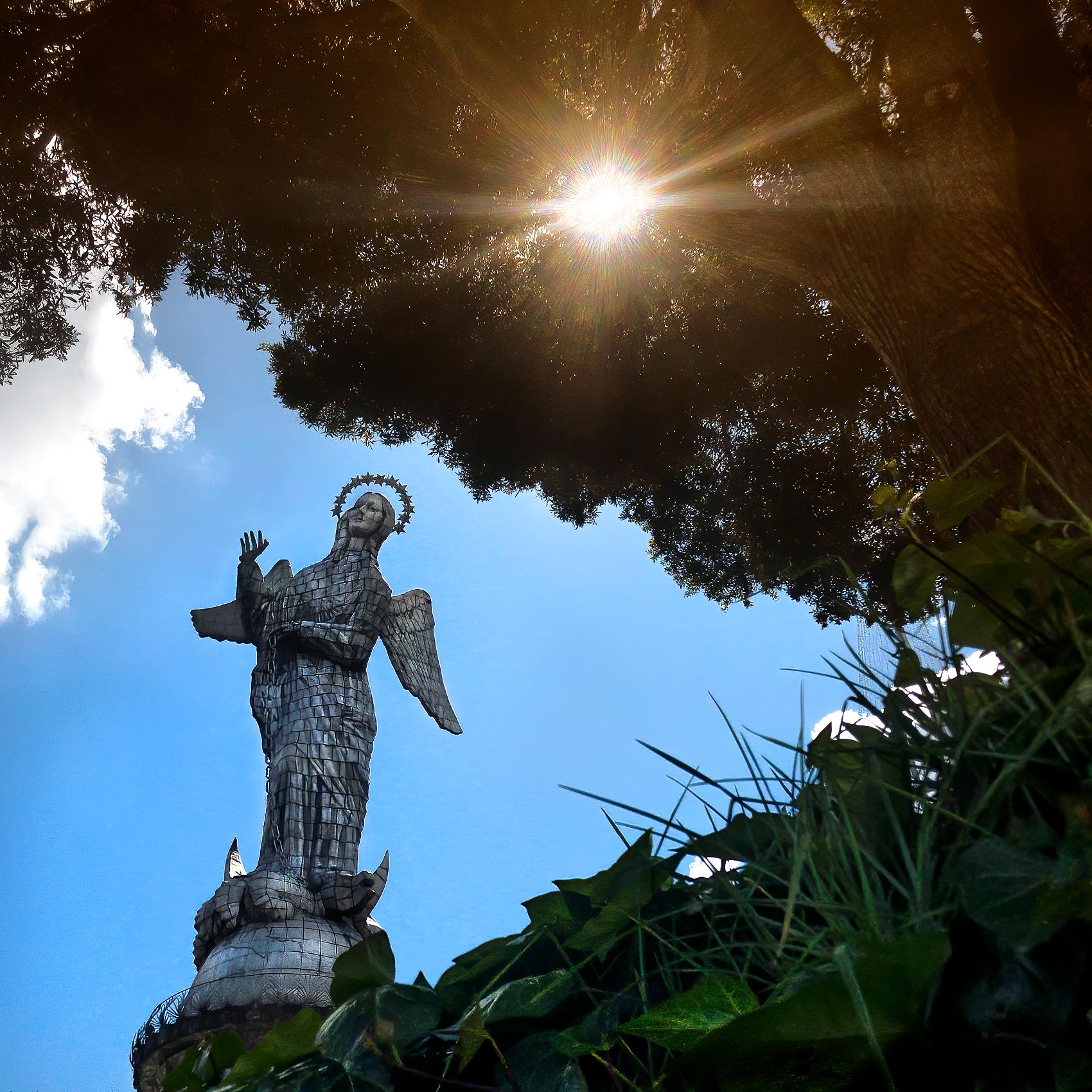 unique-photo-of-the-virgin-of-quito-statue-at-sunset-by-toronto-travel-photographer
